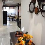 Sala de espera de la Residencia Asisttel para mayores situada en el Aljarafe
