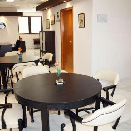 Zona común de la Residencia Asisttel para mayores situada en el Aljarafe