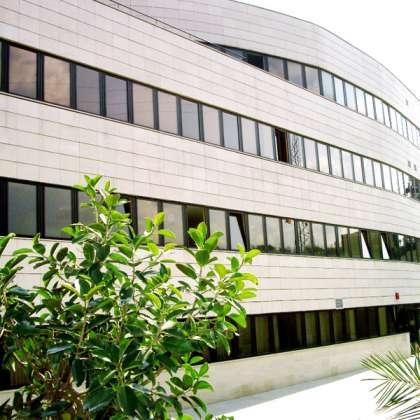 Centro Asisttel situado en el Aljarafe
